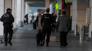 Θεσσαλονίκη: Συνελήφθη εργαζόμενος του αεροδρομίου που «ξάφριζε» αποσκευές