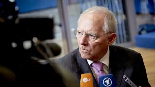 Σόιμπλε: Δεν χρειάζεται νέα ψηφοφορία για τη συμμετοχή ΔΝΤ στο ελληνικό πρόγραμμα