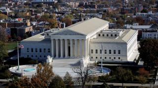 Ξεμπλόκαρε το αντιμεταναστευτικό διάταγμα Τραμπ το Ανώτατο Δικαστήριο των ΗΠΑ