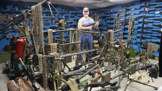 Dragonman: Ο άνδρας με την μεγαλύτερη συλλογή όπλων στις ΗΠΑ (Pics+Vid)