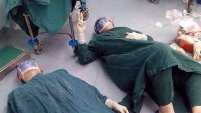 Η αντίδραση των γιατρών μετά το πιο πολύωρο χειρουργείο που έγινε ποτέ στην Κίνα (pic)