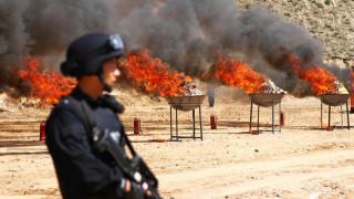 Στην πυρά ναρκωτικά αξίας $1 δισεκατομμυρίου στη νοτιοανατολική Ασία