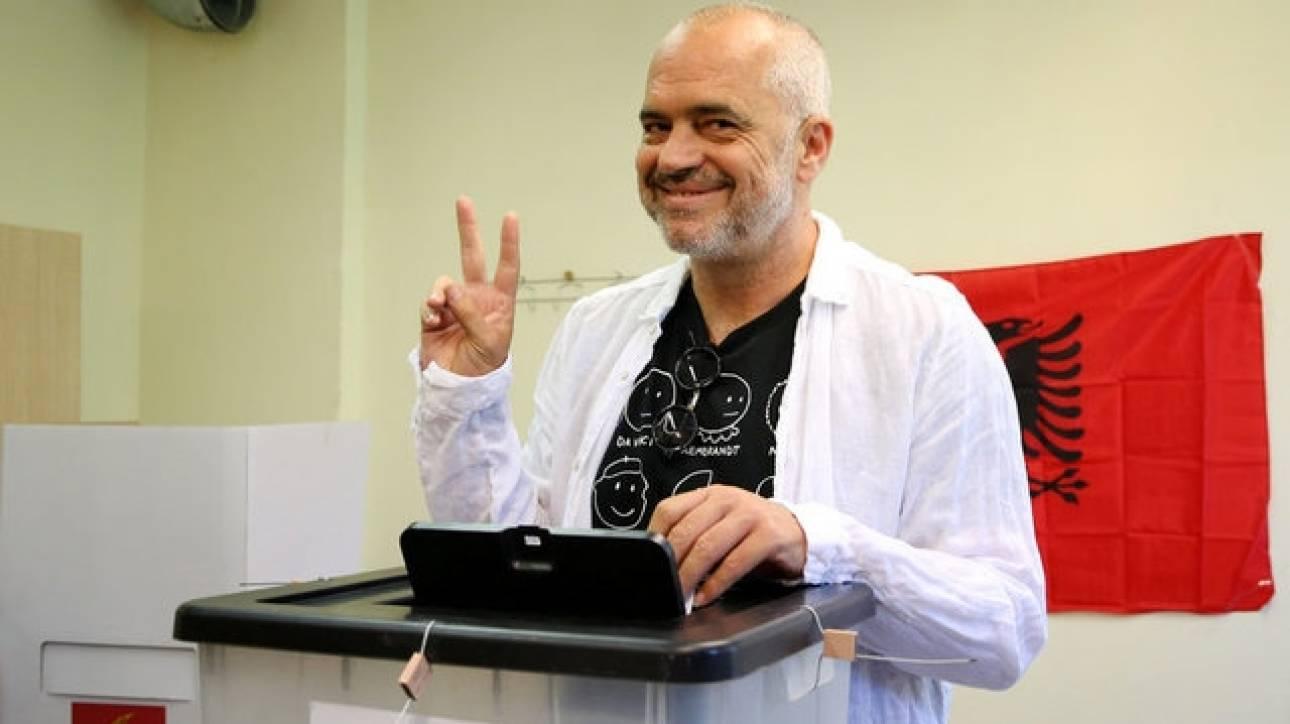 Εκλογές Αλβανία: Αυτοδυναμία Ράμα δείχνουν τα πρώτα αποτελέσματα
