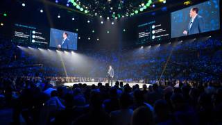 H Cisco θέλει να επανεφεύρει την εταιρική δικτύωση