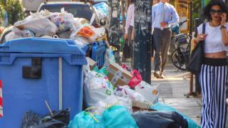 Ξιφουλκούν για τα σκουπίδια κυβέρνηση και αντιπολίτευση - χωματερές οι δρόμοι