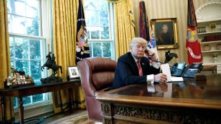 Ποιος πρωθυπουργός άφησε τον Τραμπ να περιμένει με το ακουστικό στο χέρι (vids)