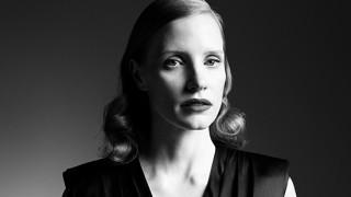 Fashion Fax: Η Τζέσικα Τσάστειν για την Prada & η Bella Hadid συγκινεί (vid)