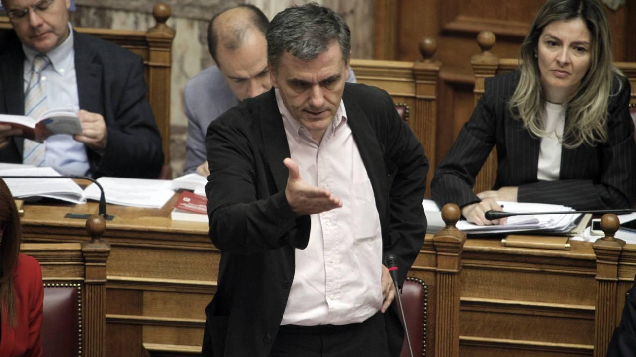 Άγριος καυγάς στη Βουλή και τα «γαλλικά» του Τσακαλώτου - Οι αμοιβές του Υπερταμείου