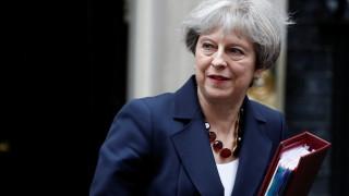 Μέι για Brexit: Θα χρειαστεί μεταβατική περίοδος αλλά δεν θα είναι απεριόριστη