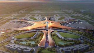 Πεκίνο: Το νέο διεθνές και εντυπωσιακό αεροδρόμιο παίρνει «σάρκα και οστά»