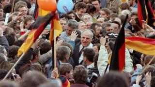Η Ευρώπη αποτίει φόρο τιμής στον Χέλμουτ Κολ