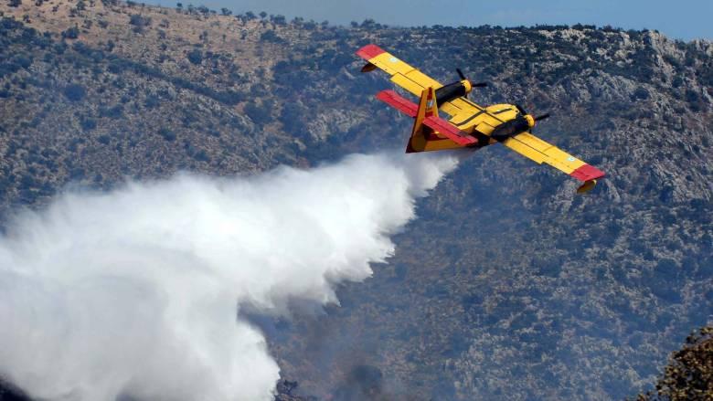 Σε υψηλή ετοιμότητα τα Canadair - Μεγάλος κίνδυνος πυρκαγιάς λόγω καύσωνα