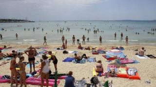 Ολλανδός τουρίστας προσπάθησε να ασελγήσει εις βάρος 9χρονης μέσα στη θάλασσα