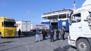 Αλγερινός κρύφτηκε στις ρόδες φορτηγού και τραυματίστηκε σοβαρά