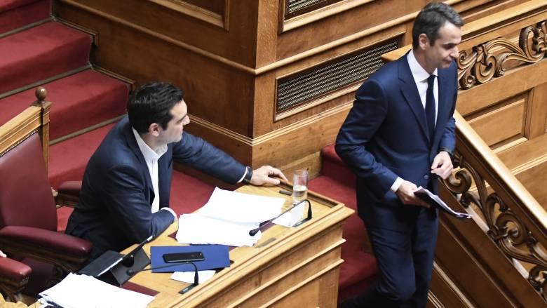Βουλή: Τσίπρας - Μητσοτάκης διασταυρώνουν τα ξίφη τους για την οικονομία