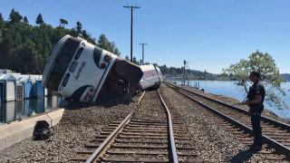 Ουάσινγκτον: Εκτροχιάστηκε τρένο με 267 επιβάτες (pics&vid)