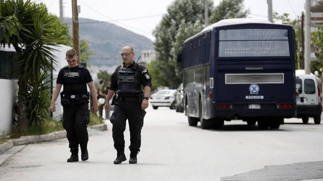 Αστυνομική επιχείρηση στο στρατόπεδο Καποτά στο Μενίδι