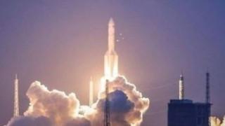 Ο μεγαλύτερος πύραυλος της Κίνας έκανε δεύτερη απόπειρα εκτόξευσης αλλά δεν τα κατάφερε (vid)