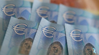 ΙΟΒΕ: Το κλείσιμο της αξιολόγησης στήριξε την καταναλωτική εμπιστοσύνη