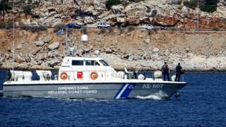 Αυτοκίνητο έπεσε στη θάλασσα – Ανασύρθηκε χωρίς τις αισθήσεις του ο οδηγός