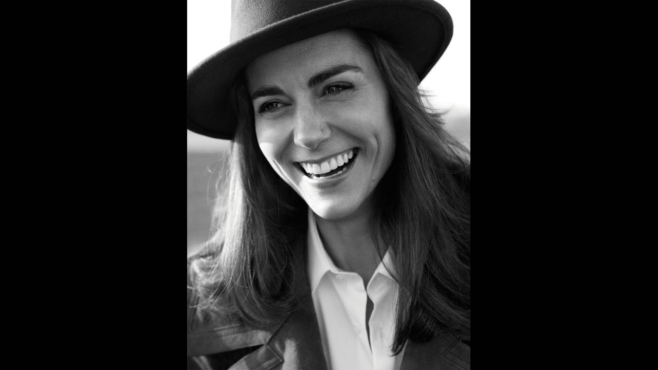 https://cdn.cnngreece.gr/media/news/2017/07/03/87511/photos/snapshot/Vogue-UK-June-2016-HRH-Duchess-of-Cambridge-Kate-Middleton-by-Josh-Olins-01.jpg