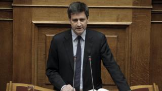 Χουλιαράκης: Οι τρεις προϋποθέσεις για την έξοδο στις αγορές
