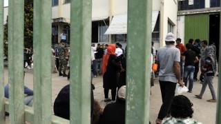 Λάρισα: Ένταση στον καταυλισμό του Κουτσόχερου - Πρόσφυγες έβαλαν φωτιά σε κάδους