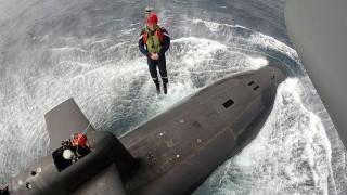 Γαλλία: Ο Εμανουέλ Μακρόν σε... πυρηνικό υποβρύχιο