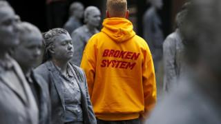 G20: Οι 1000 αντιεξουσιαστικές φιγούρες προελαύνουν στο Αμβούργο