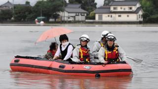 Ιαπωνία: Νεκροί και εκατοντάδες χιλιάδες εκτοπισμένοι από τις πρωτοφανείς βροχοπτώσεις (pics)