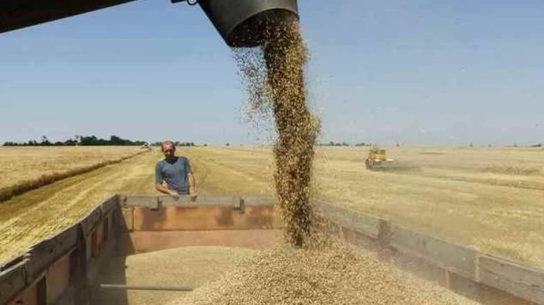 Η Μόσχα εξετάζει το ενδεχόμενο τροποποίησης του εμπάργκο στα αγροτικά προϊόντα