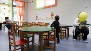 Εκτός παιδικών σταθμών δεκάδες χιλιάδες παιδιά