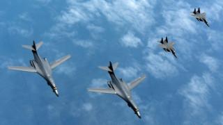 Αμερικανικά βομβαρδιστικά πέταξαν πάνω από τη νότια Σινική Θάλασσα