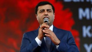 Ο ηγέτης του φιλοκουρδικού HDP αρνήθηκε να παρουσιαστεί στο δικαστήριο με χειροπέδες