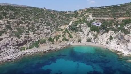 Βρουλίδια: Η νοτιότερη παραλία της Χίου από ψηλά (Vid)