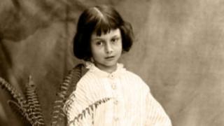 Τι ενέπνευσε τον Lewis Carroll για να γράψει την «Αλίκη στη Χώρα των Θαυμάτων»