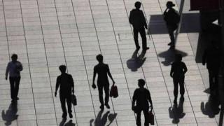 Nέα γενιά εργαζομένων με ετήσιο εισόδημα κάτω από το όριο της φτώχειας