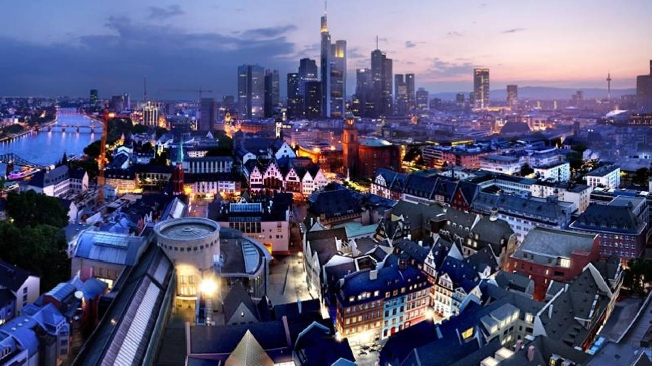 Στη Φρανκφούρτη μεταφέρουν την έδρα τους τραπεζικοί κολοσσοί