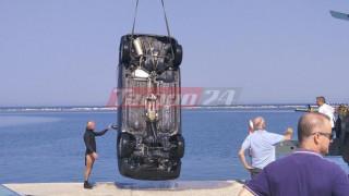 Αυτοκίνητο έπεσε στο λιμάνι της Πάτρας - Νεκρός ο οδηγός (pics&vid)