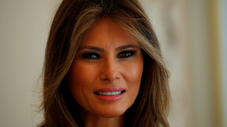 247c6f81581 Μελάνια Τραμπ: Πιο δημοφιλής από τον σύζυγό της