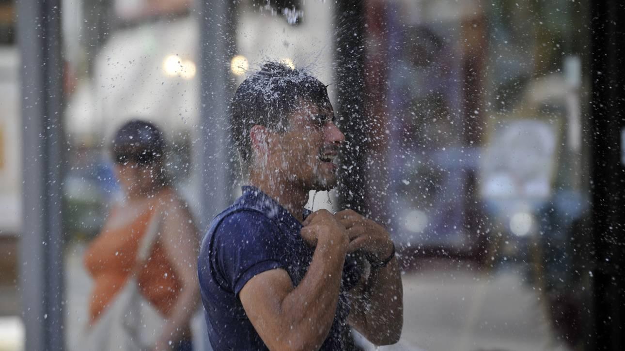Ανοιχτές οι Λέσχες Φιλίας του δήμου Αθηναίων τις ημέρες του καύσωνα