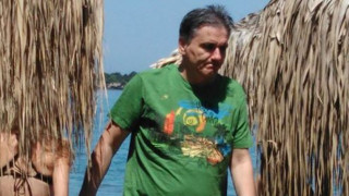 Η καλοκαιρινή «απόδραση» του Τσακαλώτου - Έπαιξε ρακέτες στην παραλία (pics)