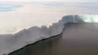 Larsen C: Μία «χώρα» πάγου, έτοιμη να αποκοπεί