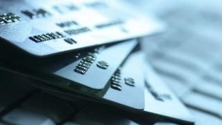 «Μονόδρομος» για χιλιάδες φορολογουμένους η πληρωμή του φόρου με κάρτα