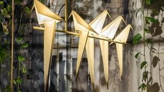 Εμπνεύστηκε από την τέχνη του οριγκάμι και κατασκεύασε φωτιστικά (pics)