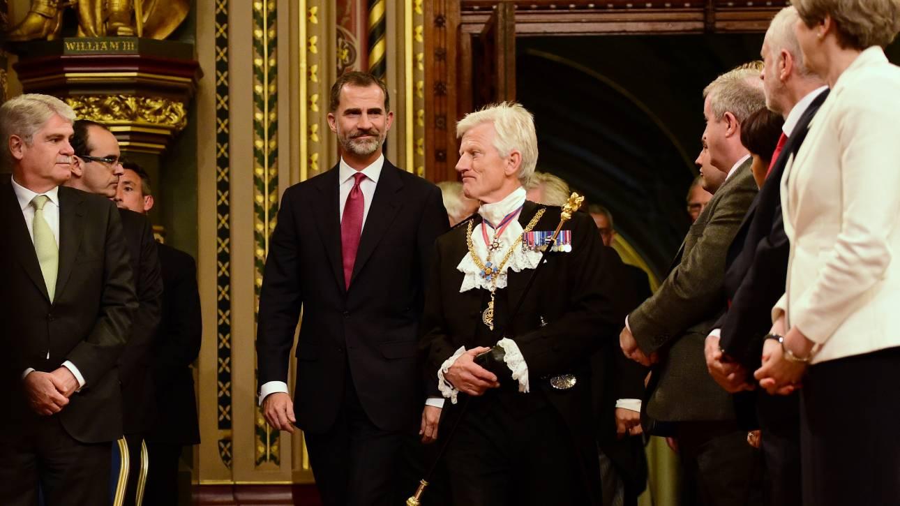 Βέβαιος πως θα υπάρξει συμφωνία για το Γιβραλτάρ ο βασιλιάς Φίλιππος (pics&vid)