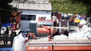 Φωτιά σε εργοστάσιο πλαστικών στην Εθνική Οδό Αθηνών - Λαμίας