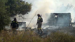 Μάχη με τις φλόγες σε Κορινθία και Σουφλί