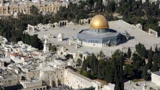 Ένοπλη επίθεση στην παλιά πόλη της Ιερουσαλήμ (pics&vids)