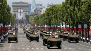 Παρίσι:Μακρόν και Τραμπ παρακολούθησαν την μεγαλειώδη παρέλαση (pics)